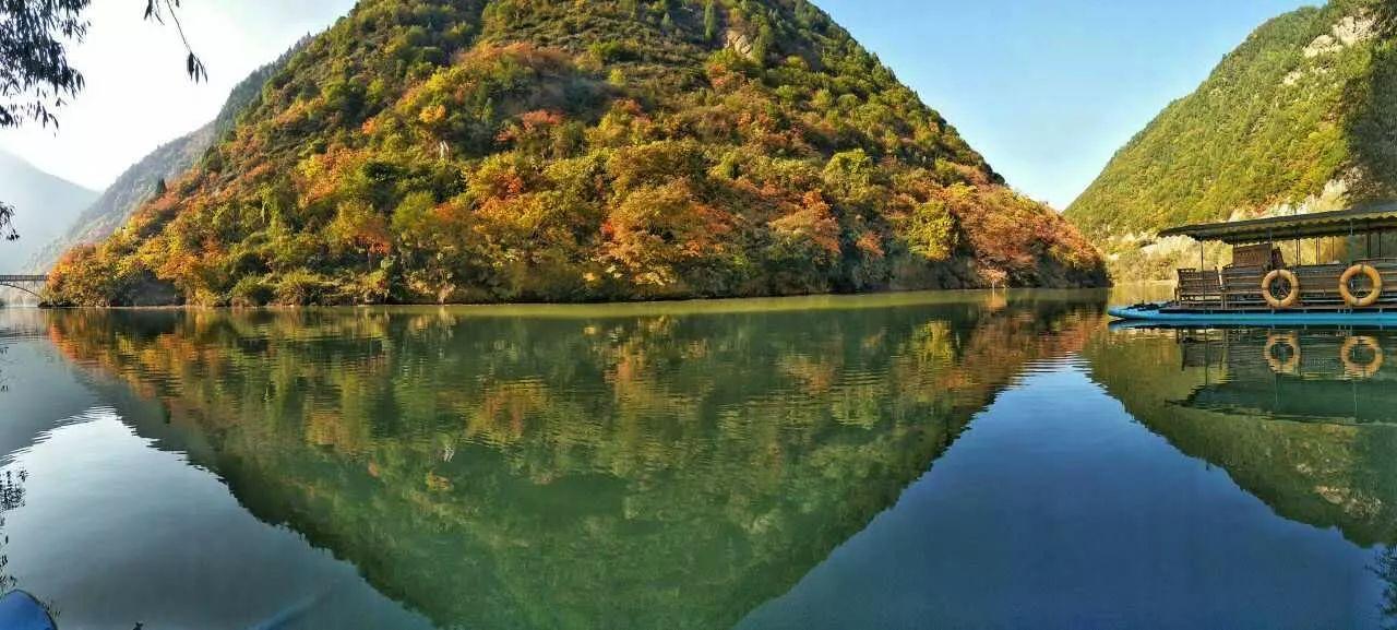 """逃离城市雾霾天,来凤县灵官峡景区看蓝天白云、""""吸氧、洗肺""""吧"""