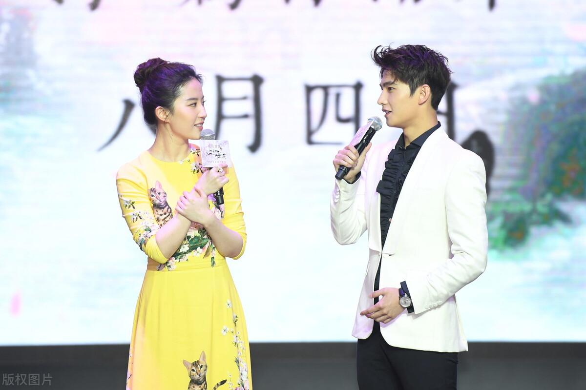 刘亦菲古装新剧《梦华录》,抛开了恋爱脑,陈晓眼睛都笑弯了