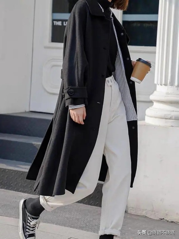 """突然火了的""""豆腐裤""""是什么鬼?显瘦又高级,承包整个春季的时尚"""