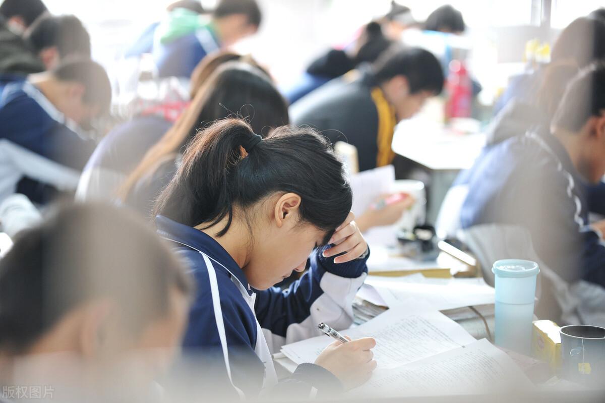 助学贷款24000利息每年(助学贷款害死人)