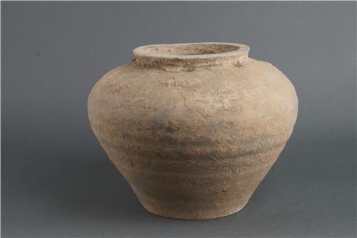 八旬老人一元买来汉代陶罐 无偿捐给咸阳博物院