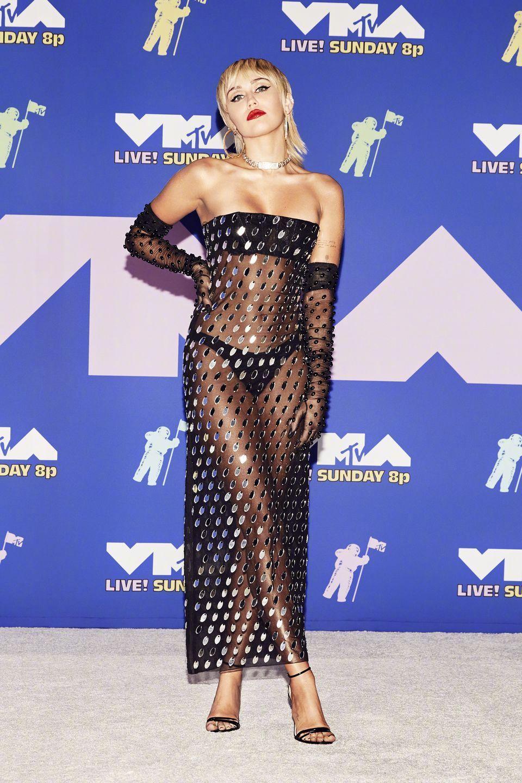 VMA红毯,贝拉麦莉啤酒妹秀性感,Gaga五套防毒面具装抢镜