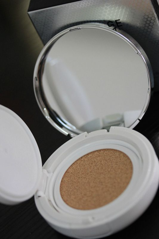兰芝雪润修颜气垫粉凝霜评测,粉质细腻