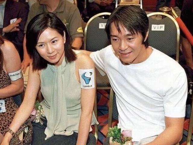 周星驰被前女友告上法庭怎么回事,他和于文凤发生了什么?