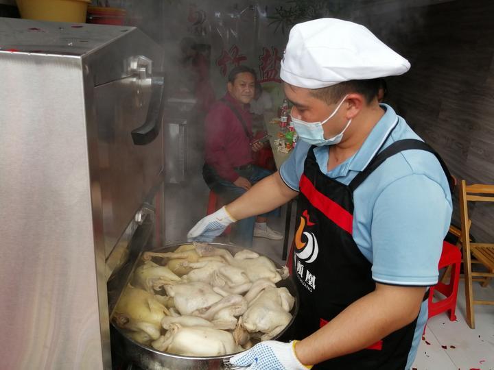岭头凰竹盐鸡皮脆肉香,制作过程曝光,很多人都想加盟了