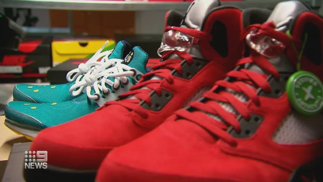 澳华人小伙靠炒鞋发家,一双限量款价格超过10万,赚大发了