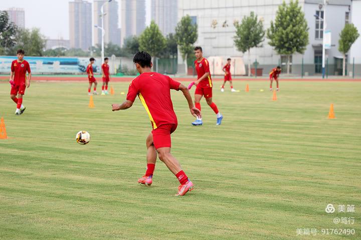 第十四届全国运动会足球项目测试赛在渭南轨道交通运输学校展开