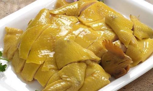 广东正宗白切鸡,皮脆肉滑,肉质鲜嫩,一学就会