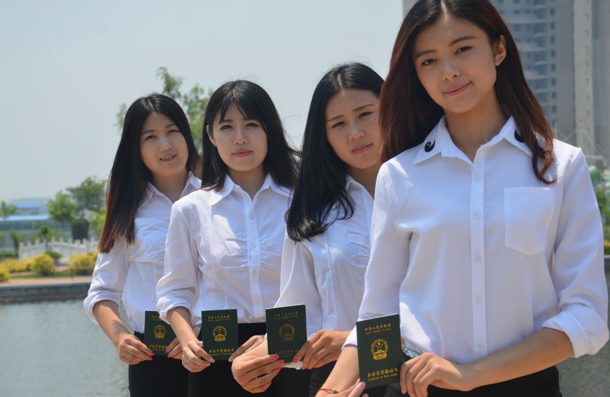 适合女生报考的10大专业,发展前景有多好,看看你在其中吗?