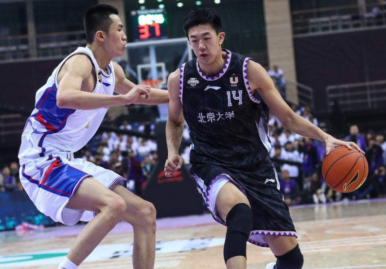 中国篮球一日三好事!清华大学勇夺冠军,CBA两球员启程新球队