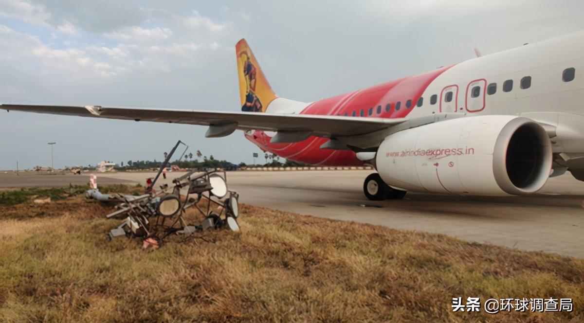 2月21日,美国印度又发生悲剧了!印飞机撞电线杆,美客机起火