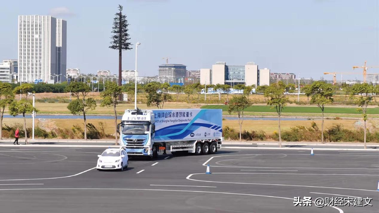 超10米长货车,倒车入库只需1分钟,上汽重卡实现L4自动驾驶