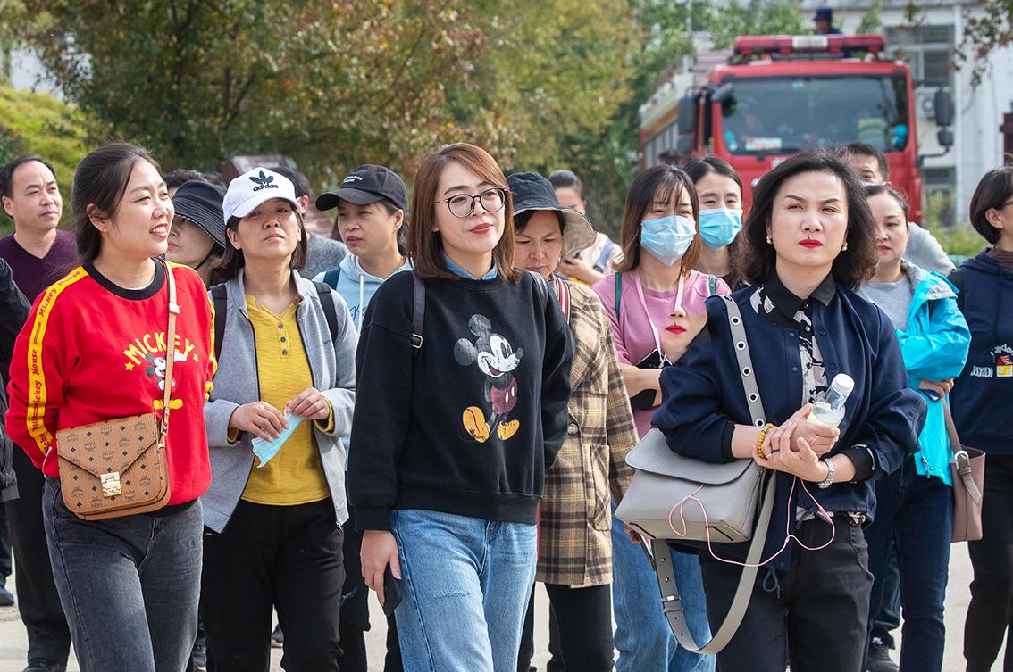 """中国乡村旅游新杀出一匹""""黑马"""",人们都往这跑,深秋旅游真火爆"""