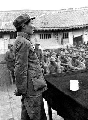 毛主席为什么会比他人站得高、看得远,原因在哪里?
