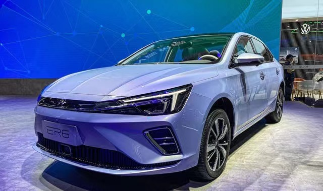 续航520km/售价15.58万元,R汽车ER6新增入门版车型