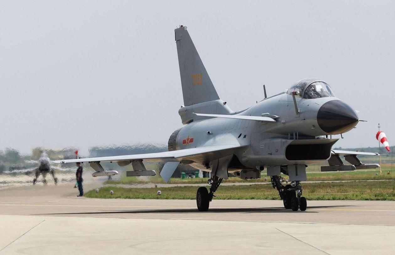 歼10外贸连美俄二手战机都竞争不过,真是因为没有实战经验吗?