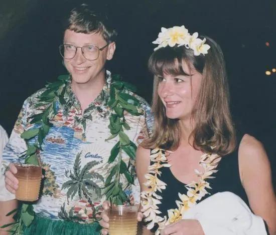 比尔盖茨离婚引热议,曾一句话表白梅琳达,昔日绯闻再度被扒出