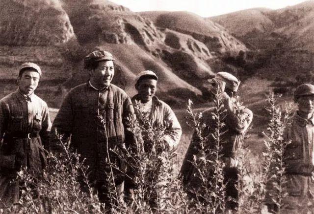 細數毛主席在革命戰爭年代與百姓共度春節的5個奇聞趣事,太感人