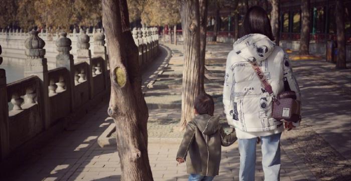 黄磊曝多多提早开学,不受早恋约会谣言影响,获校方指派重要任务