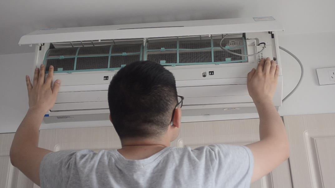 空調清洗不需要找師傅,教你清洗空調的簡單方法,省錢又省力