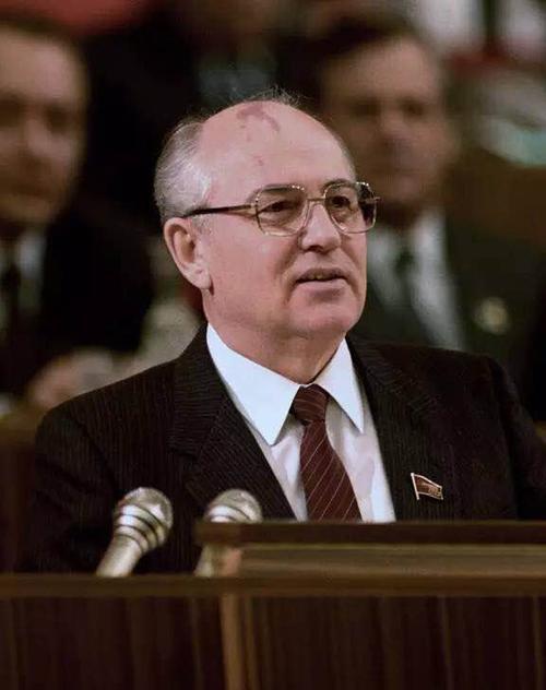 苏联为什么会解体?俄罗斯前第一副总理盖达尔直言:没钱了