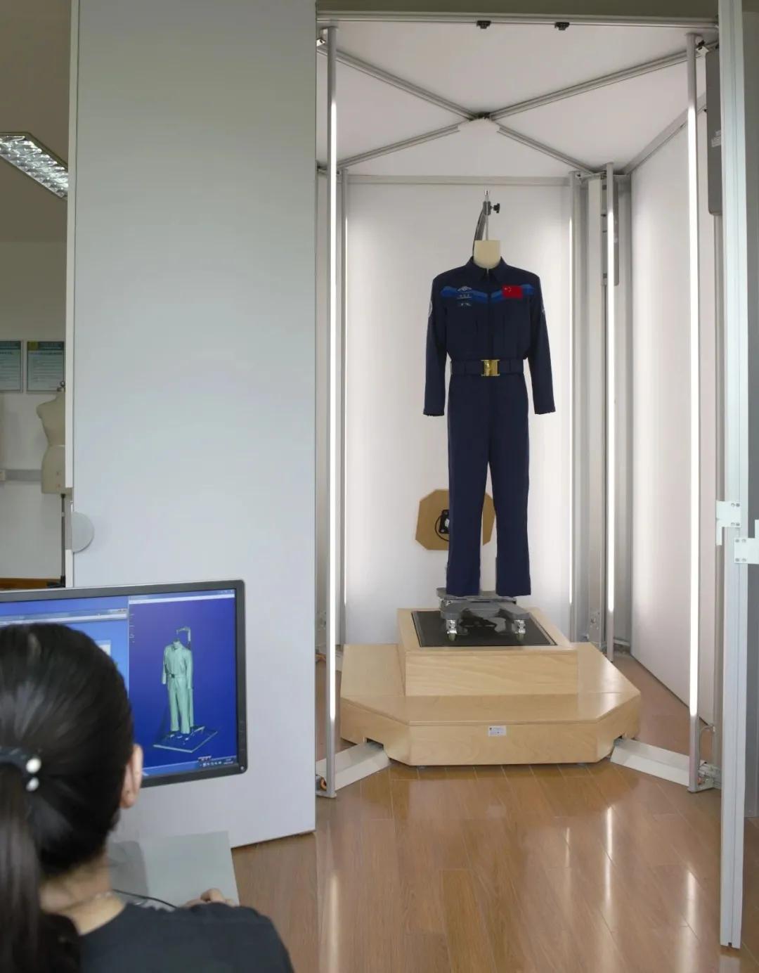 """刚刚,东华大学""""科技+设计""""再次飞天!神舟十二号航天员系列专用服饰体现纺织力量"""