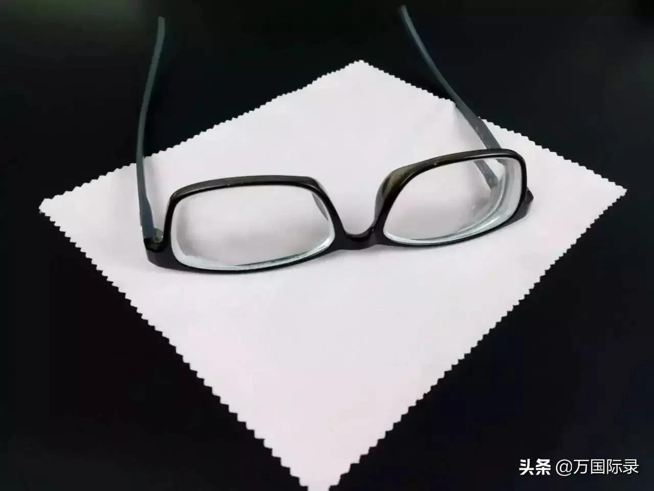 眼镜怎么擦都模糊?那是你方法不对,注意这2点眼镜立马干净明亮 家务卫生 第3张