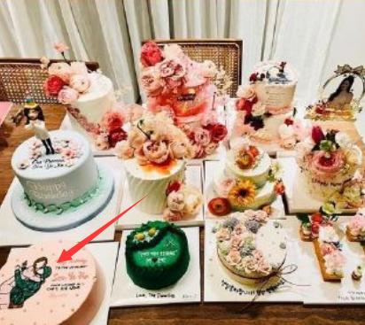 不止《爱的迫降》名场面,孙艺珍生日蛋糕图还有藏有与玄彬的合照