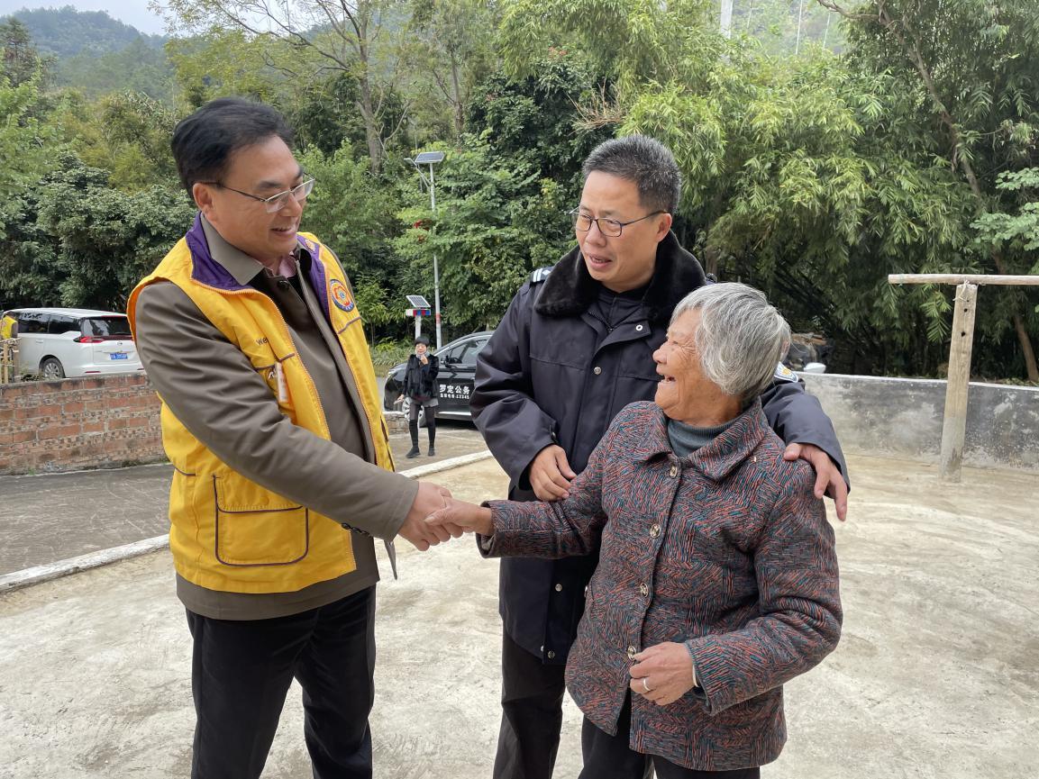 以善为本,携手扶贫---广东狮子会走进罗定合江村