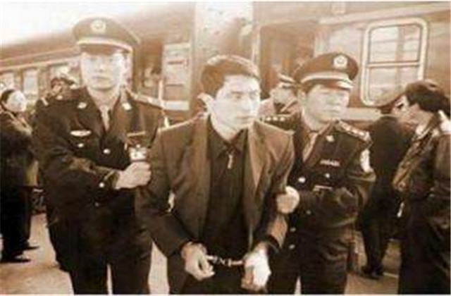 """1983年""""第一流氓"""":迟志强到底干了什么?为何突然入狱?"""