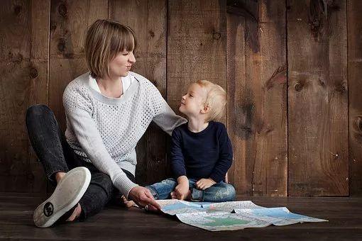 """母亲的爱的牵绊:8大""""有害""""的母女俩关系实体线模型"""