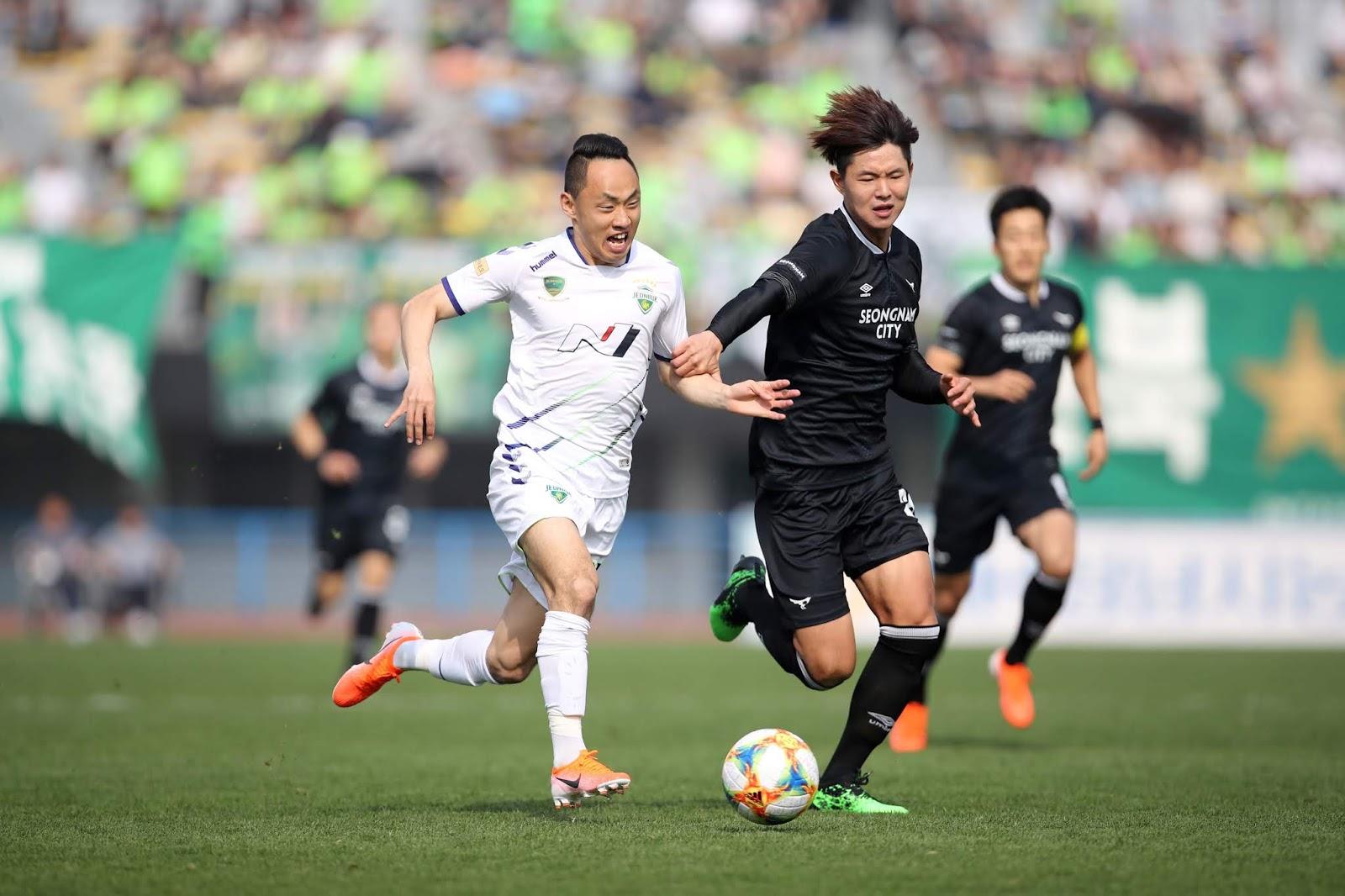 「韩足总」赛事前瞻:全北现代vs城南FC,全北锋线球感正热