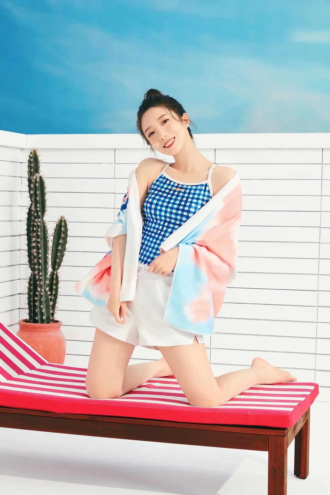 """中韩C位代言同款产品:somi性感,而她像""""网店童装模特"""""""
