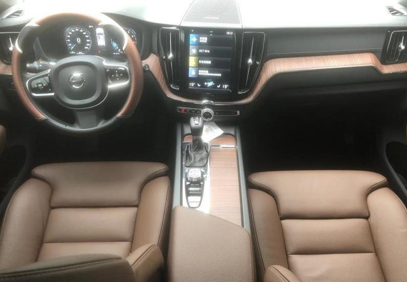 """被国人""""救活""""的豪车!沃尔沃XC60一口气降7.8万,值得入手么?"""