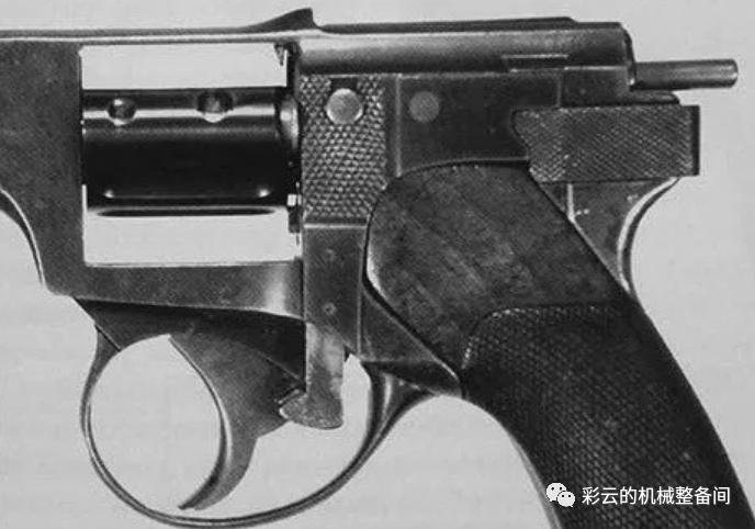 有装弹匣的转轮手枪吗?还真有