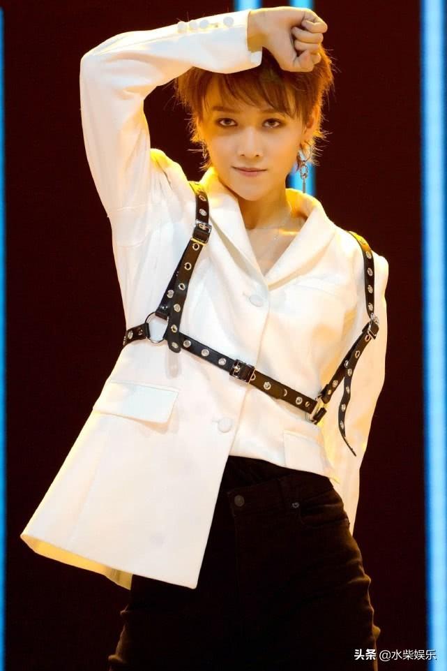 青春有你2:两场时装秀,夹缝中找刘雨昕,这是Sunnee的剧本吗?