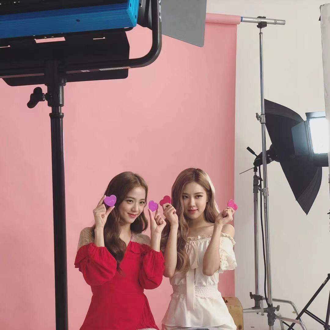 BLACKPINK动向:朴彩英接综艺,智秀拍剧,LISA与Jennie各自忙碌