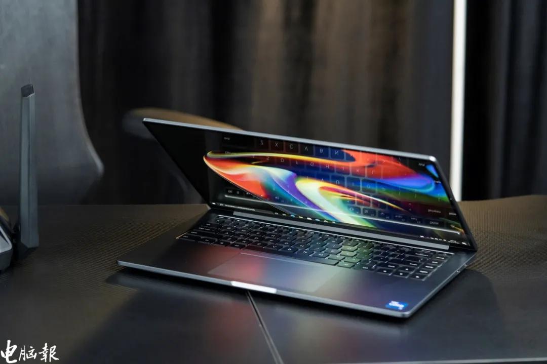 小米笔记本Pro 15深度测试:6000出头的OLED效果如何?