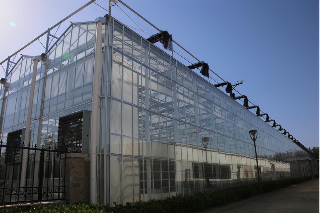 常用型连栋温室大棚天沟的制作工艺注意事项、温室大棚建造指南