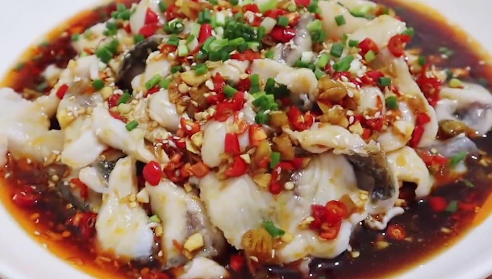 草鱼最好吃的吃法,香辣鲜美肉嫩,比酸菜鱼好吃多了,越吃越过瘾