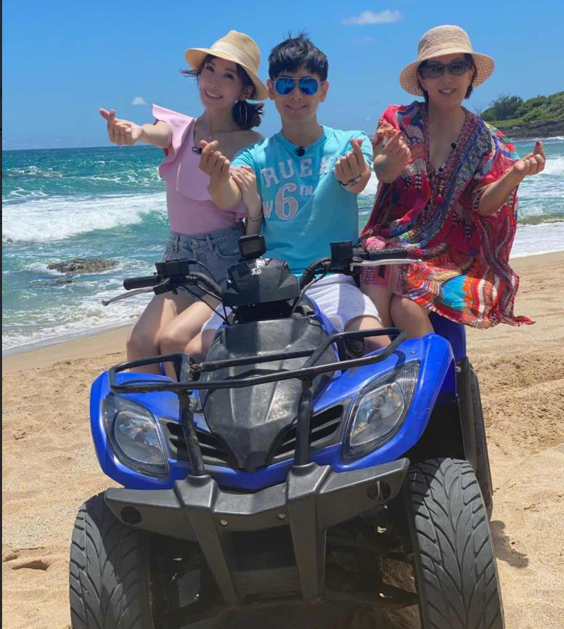 林志穎老婆帶雙胞胎兒子野餐,兄弟倆一黑一白,性格長相差異明顯
