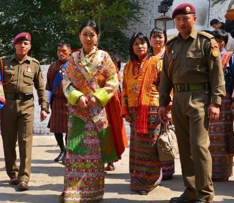 不丹最美二公主:凤眼迷人如雪莲般纯洁,自由恋爱嫁平民婚姻不幸