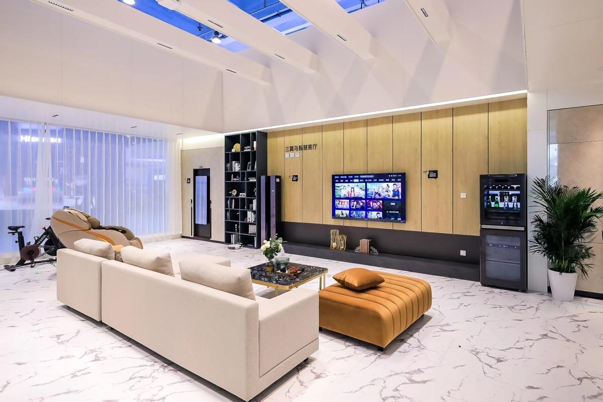 客厅怎能不装电视?三翼鸟智慧客厅:大屏大智慧