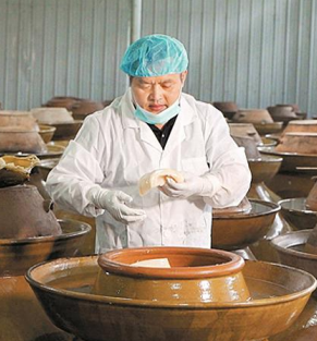 """广西柳州培植螺蛳粉产业""""造血扶贫"""""""