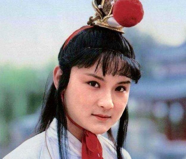 """9岁贾宝玉就能与袭人""""初试云雨情""""?答案在薛宝钗身上"""