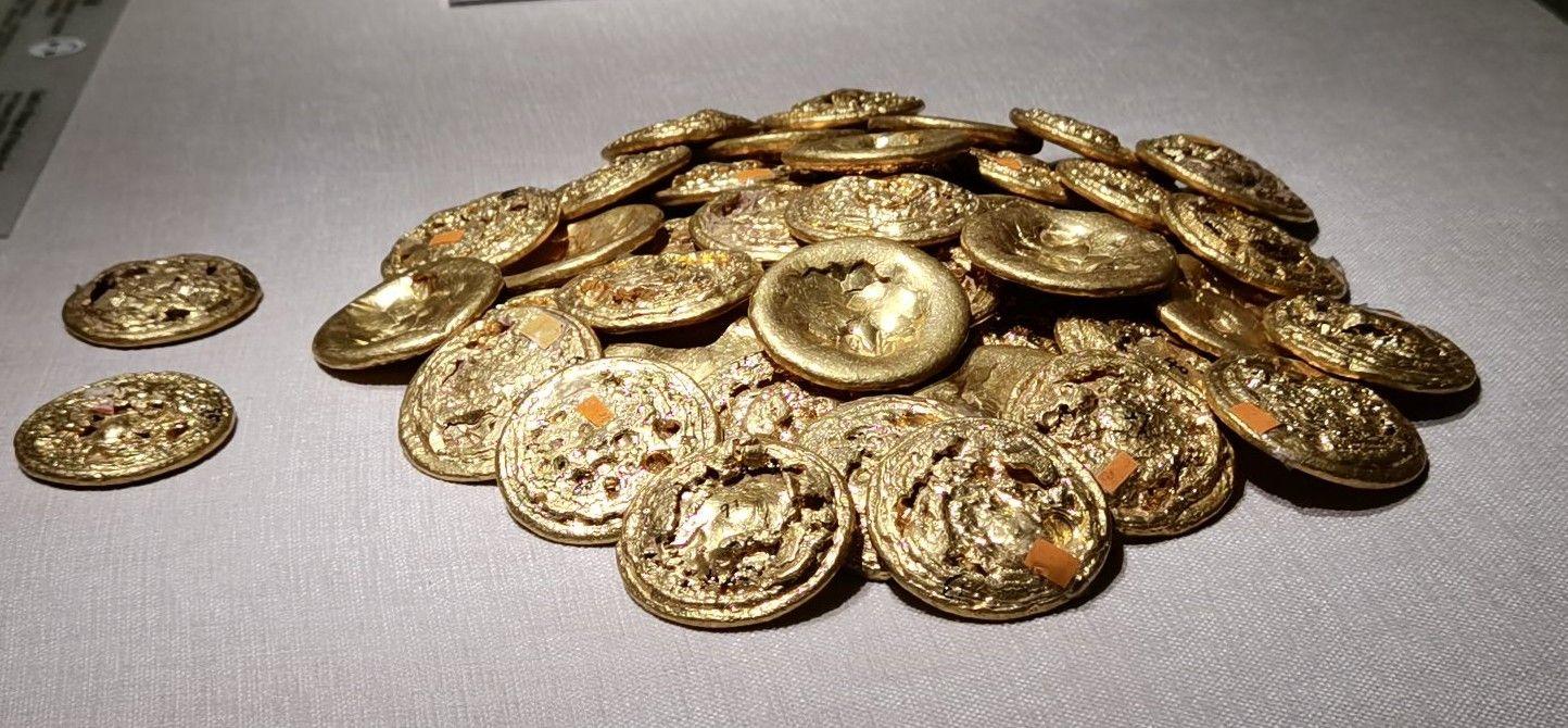 西安出土两百多块金饼!比海昏侯墓都多,持有者到底是谁?