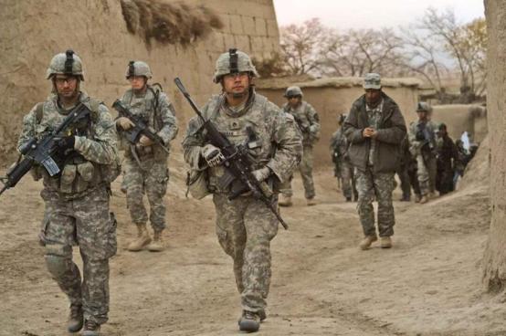 """""""又是冲着我们来的"""",前线大批美军撤回国内,集中兵力要干嘛?"""