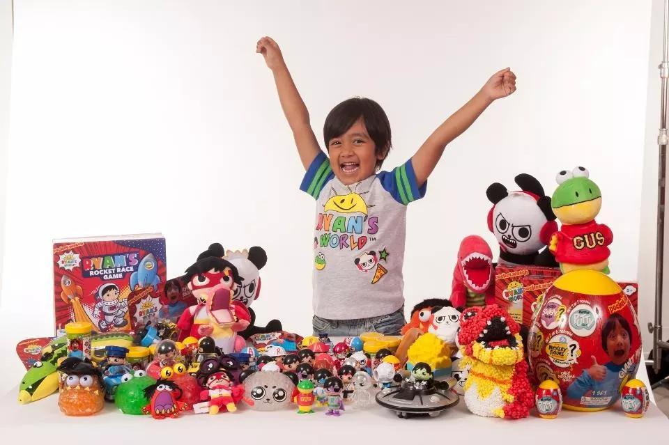 年收入3000万美元的玩具网红