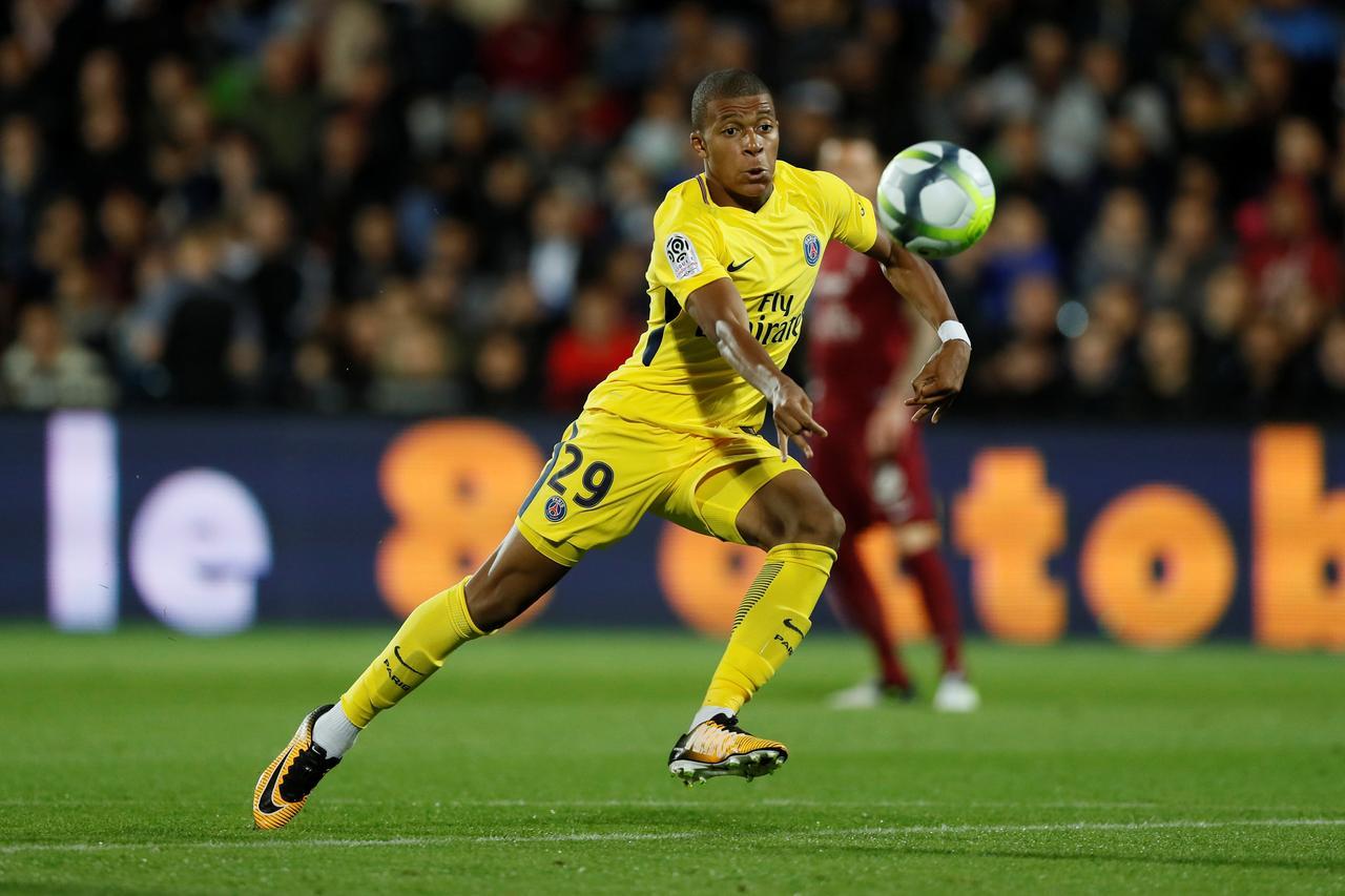巴黎圣日尔曼vs梅斯:大巴黎锋线无人可用 迪玛利亚能担大任吗