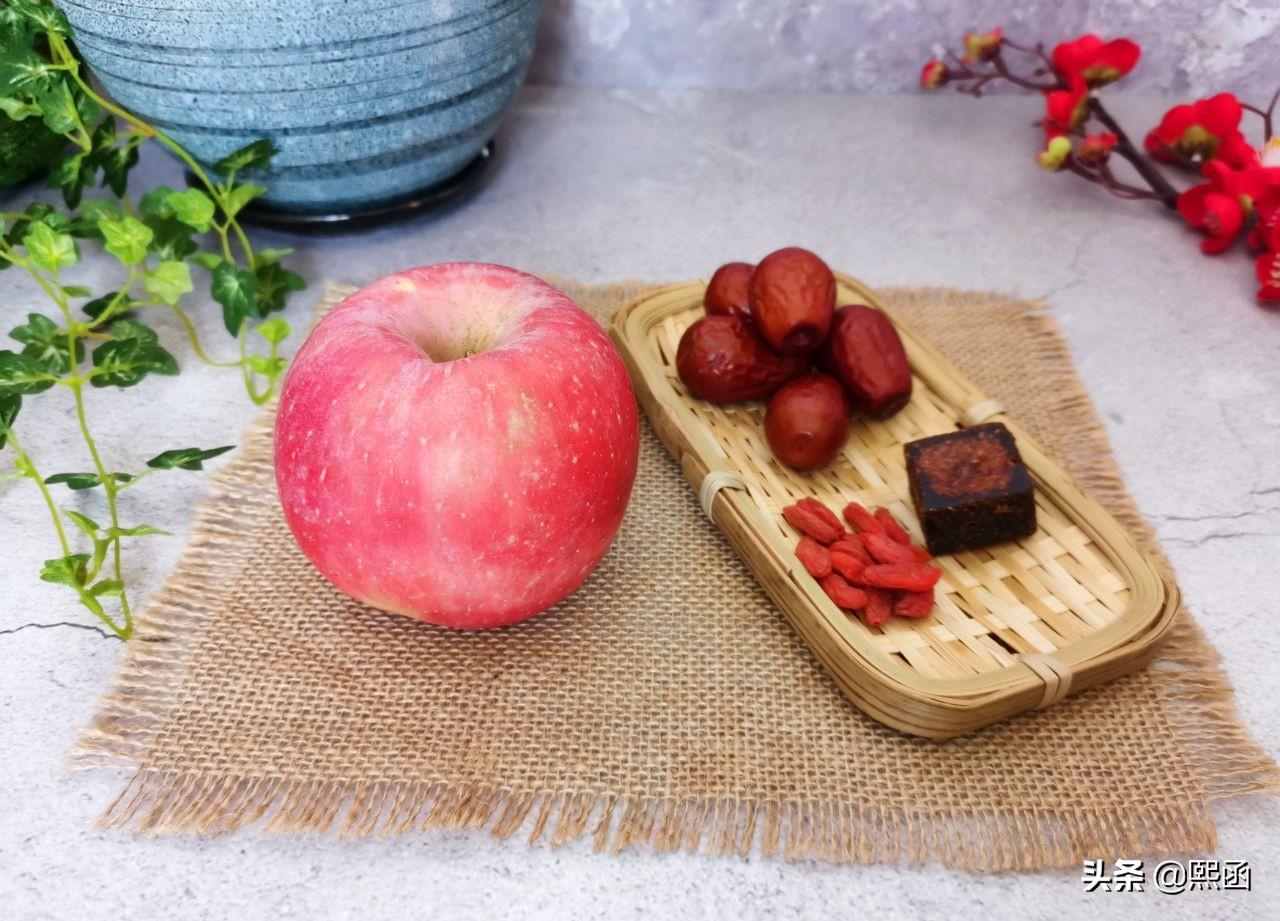 春天,把苹果和红枣一起煮,隔三差五喝几次,作用真不小 美食做法 第5张